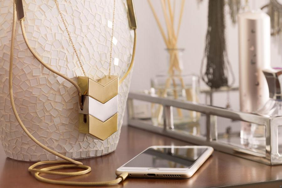 Tinsel-Dipper-earphones-necklace-01