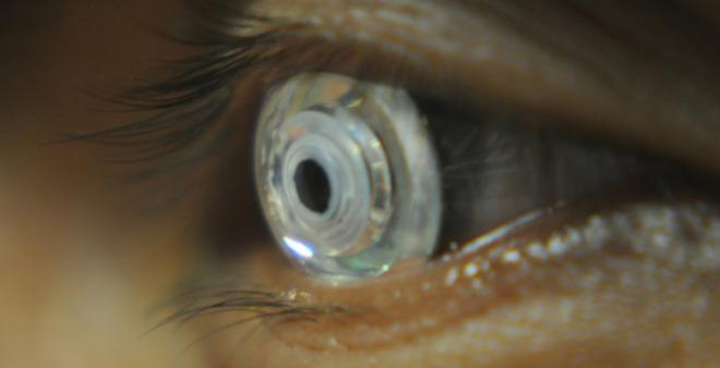 zoom-contact-lenses