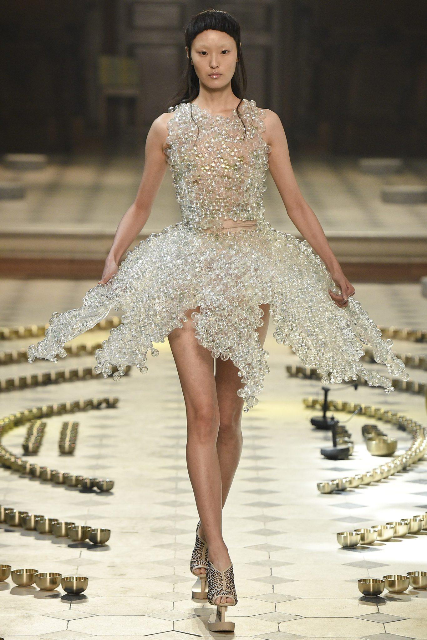 The 'Bubble' Dress | Photo: Kim Weston Arnold / Indigital.tv
