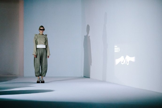 "The theme of the ""Room Tone"" show and collection presented Sept. 30, 2016, at Parish Fashion Week centers on ""the here and now of London life,"" consisting of a series of five studies that are simultaneous reactions and proposals on how certain attitudes or realities can be experienced or optimized. Paris Fashion Week's Spring/Summer 2017 event runs Sept. 27-Oct. 5, 2016. (Credit: Intel Corporation)"
